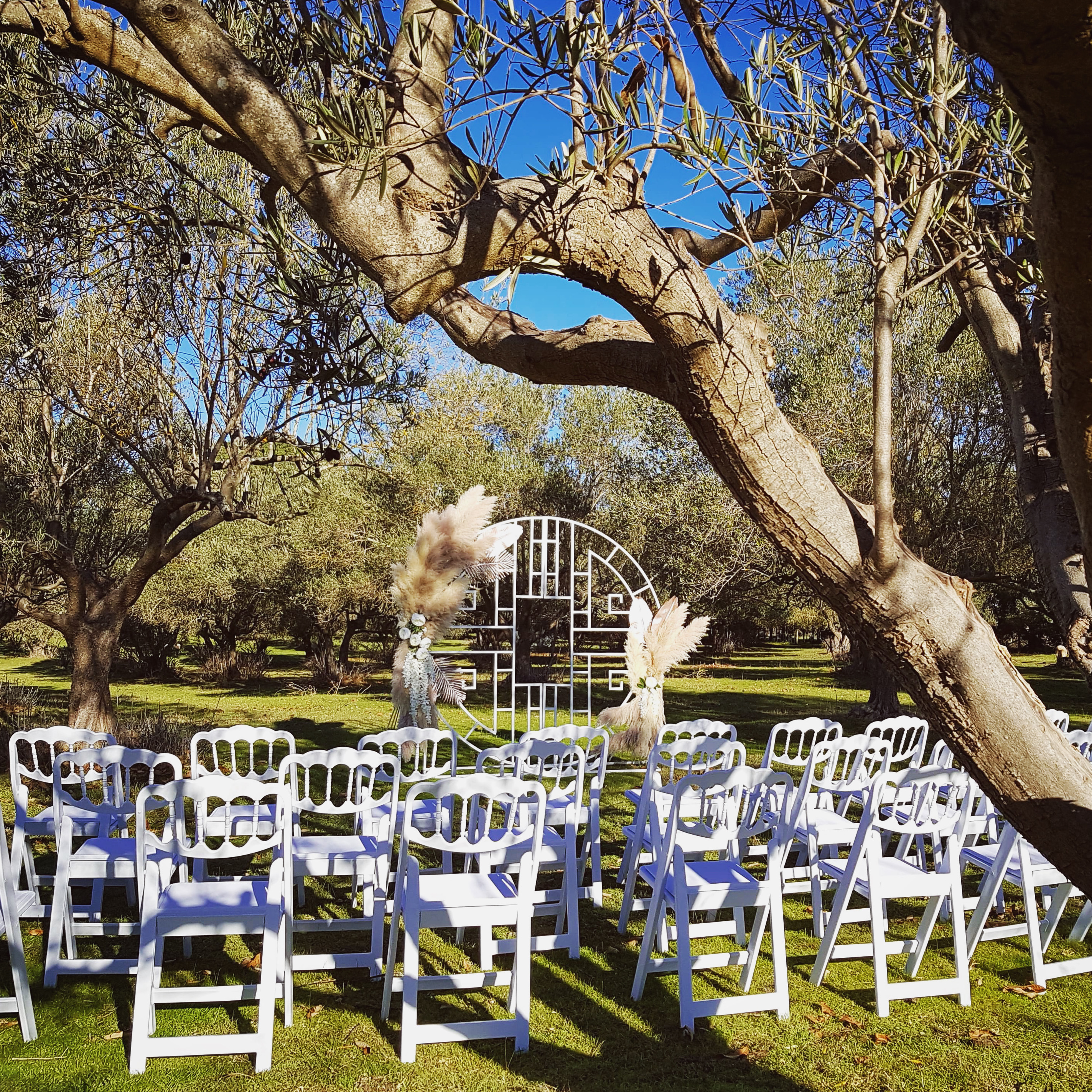 La Grange, Southern Fleurieu Barn. A flexible Wedding ceremony and reception Venue allowing people to BYO drinks and catering.